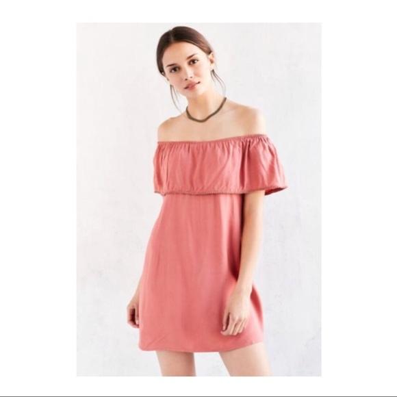 Motel Rocks Dresses & Skirts - motel ruffle off the shoulder mini dress in blush